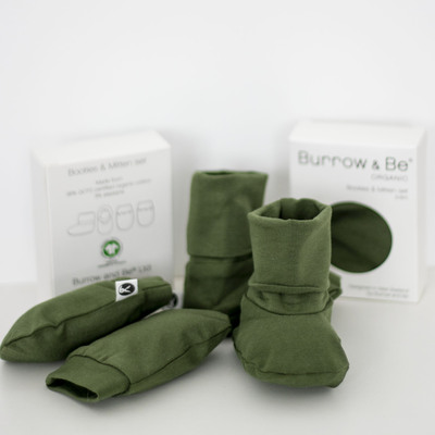 Essentials booties and mittens set